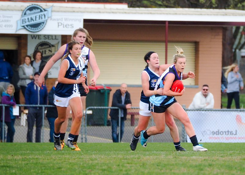 Girls-Falcons-v-Yarra-Valley-Vline-Cup-2017-(By-Jodie-Harlow)-(16)